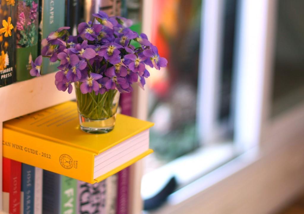decoracao-de-casa-com-violeta-1024x723