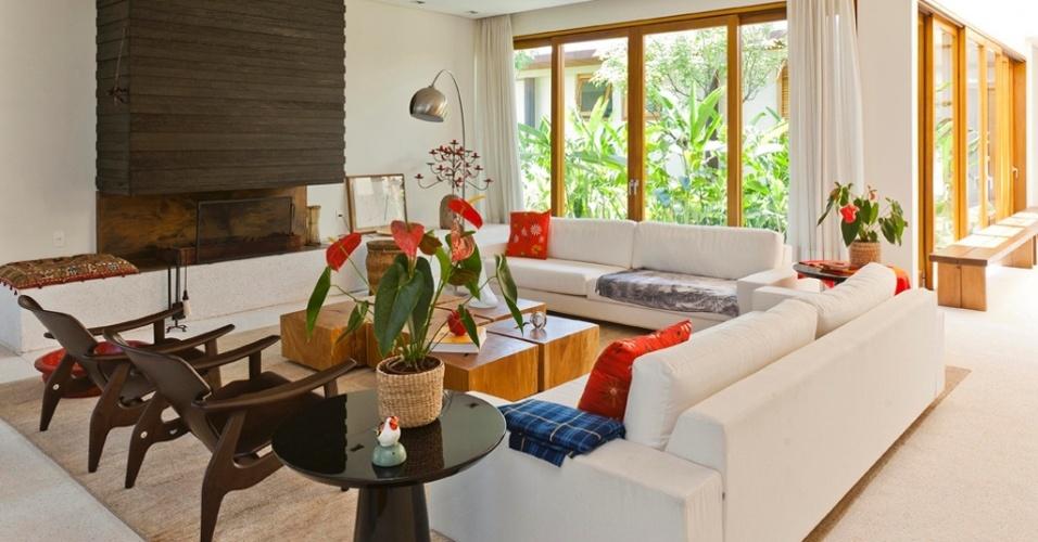 Galeria De Fotos De Sala De Estar ~ erick figueira tem sala de estar decorada o duo de cadeiras diz de