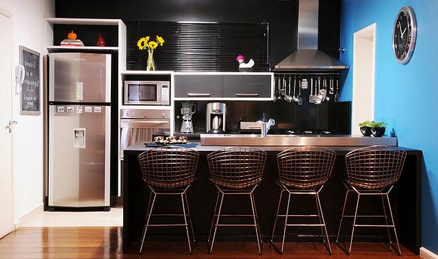 cozinha-prata-e-preta